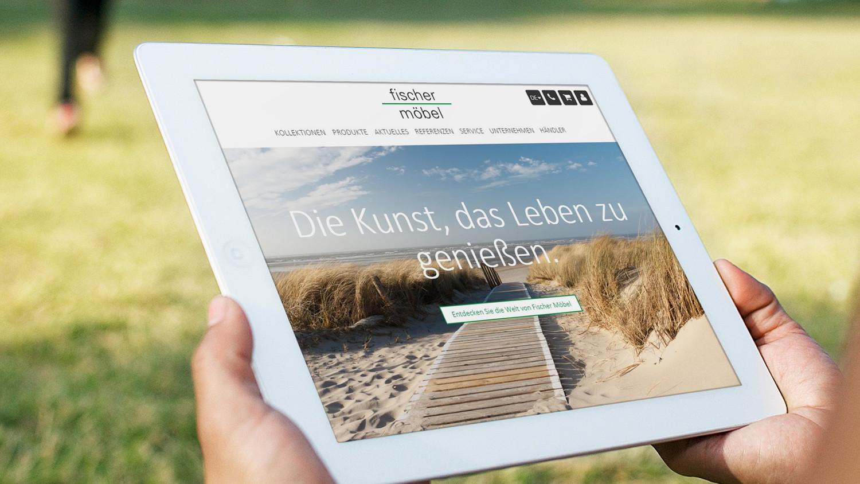 Der Erfolg Von Fischer Möbel Hatte Seinen Anfang Im Jahre 1984 Mit Dem  Gedanken Handwerk, Beste Materialen Und Neues Design In Einklang Zu Bringen.